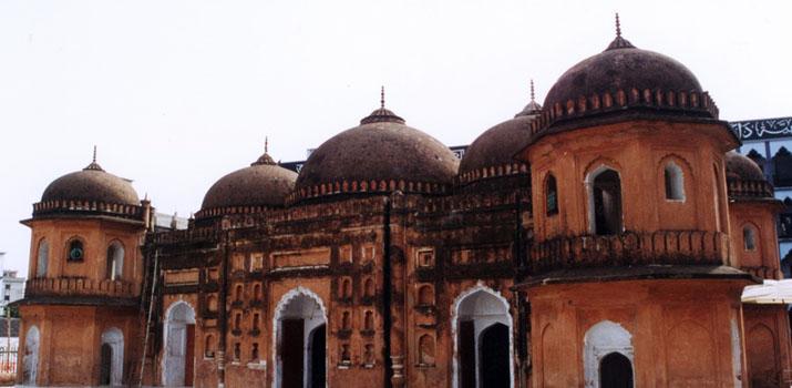 Sat Gambuj Mosque